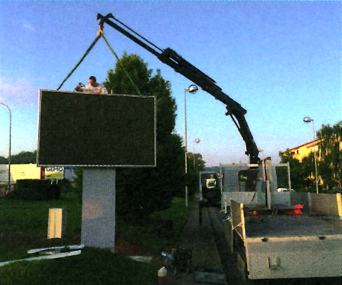 Installation écran camion grue écrans géants à led videotruck
